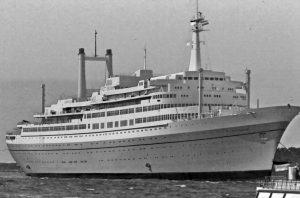 historia de los cruceros antiguos para viajar solo