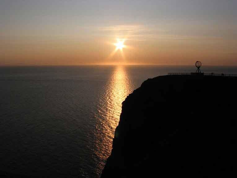 sol de media noche en el nordkapp