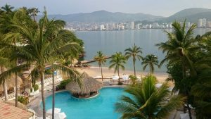 vista-piscina-hotel-park-royal-acapulco-speedtravel